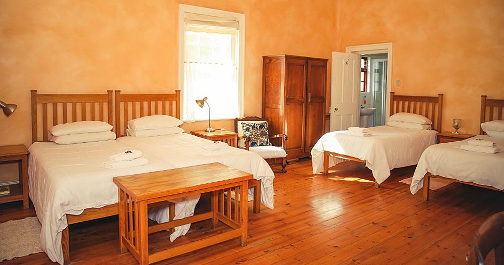 Oudtshoorn Self Catering - Family Rooms
